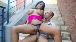 Culioneros Latina Babe With Big Ass And Tits Gets Fucked On The Streets